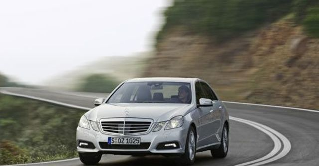 2011 M-Benz E-Class Sedan E300 Avantgarde  第2張相片