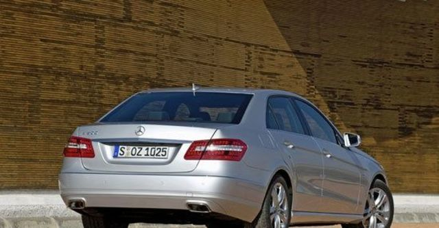 2011 M-Benz E-Class Sedan E300 Avantgarde  第3張相片