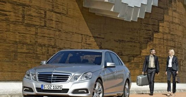 2011 M-Benz E-Class Sedan E300 Avantgarde  第4張相片