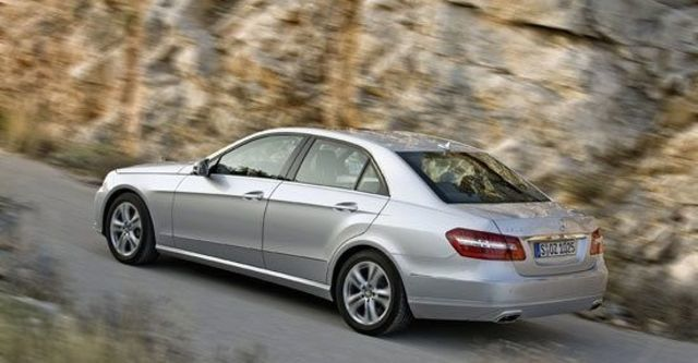 2011 M-Benz E-Class Sedan E300 Avantgarde  第6張相片