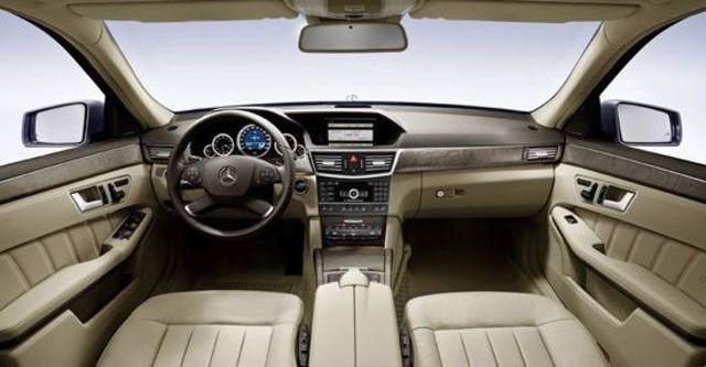 2011 M-Benz E-Class Sedan E300 Elegance  第6張相片
