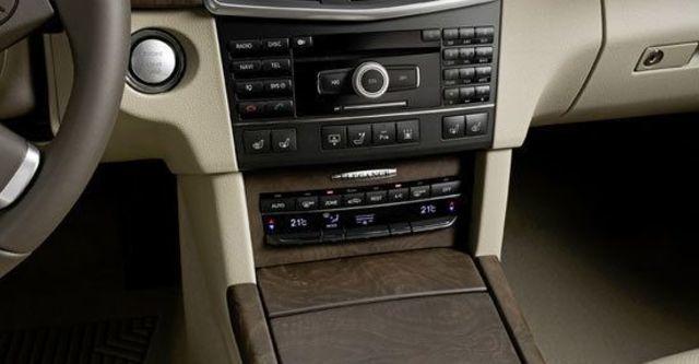 2011 M-Benz E-Class Sedan E300 Elegance  第7張相片