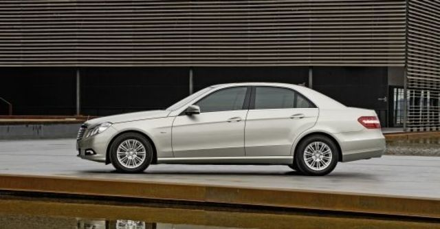 2011 M-Benz E-Class Sedan E350 CDI Elegance  第1張相片