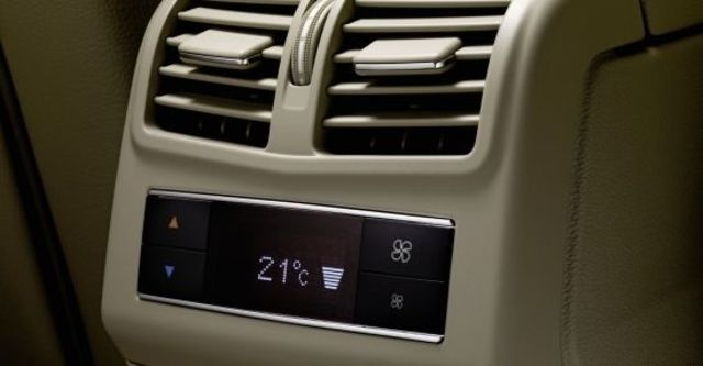 2011 M-Benz E-Class Sedan E350 CDI Elegance  第8張相片