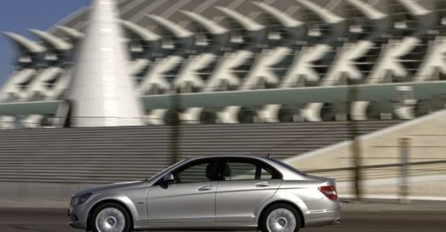 2010 M-Benz C-Class Sedan C200 CGI Classic  第3張相片