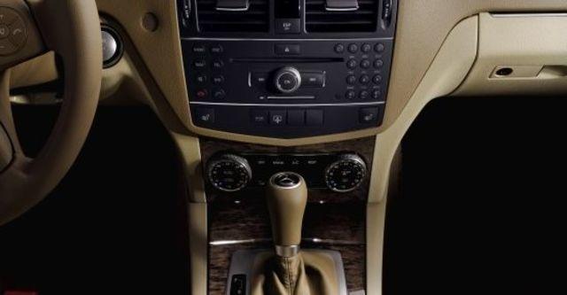 2010 M-Benz C-Class Sedan C220 CDI Classic  第6張相片