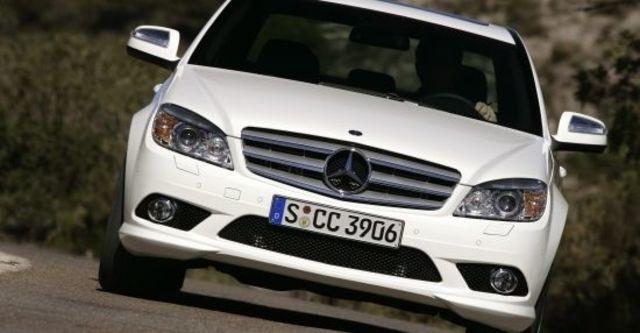 2010 M-Benz C-Class Sedan C300 Avantgarde  第2張相片