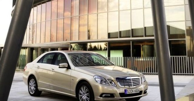 2010 M-Benz E-Class Sedan E200 CGI Elegance  第2張相片