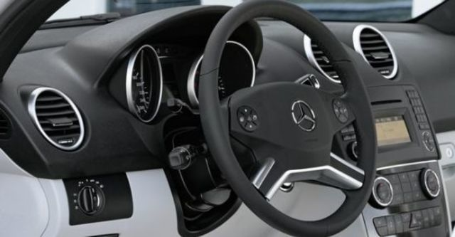 2010 M-Benz M-Class ML350  第6張相片