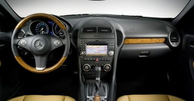 2010 M-Benz SLK-Class SLK300  第8張相片