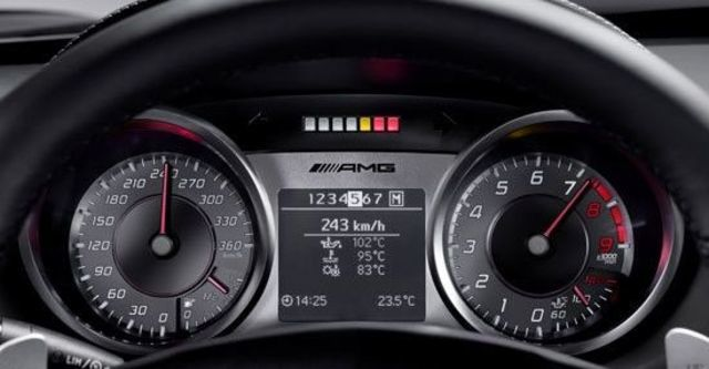 2010 M-Benz SLS AMG 6.3  第8張相片