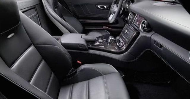 2010 M-Benz SLS AMG 6.3  第9張相片