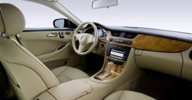 2009 M-Benz CLS CLS500  第8張相片