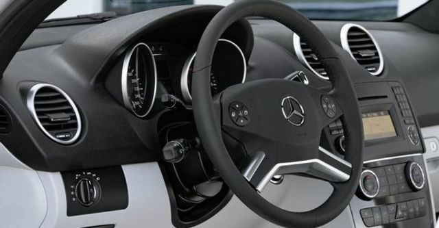 2009 M-Benz M-Class ML320 CDI  第9張相片