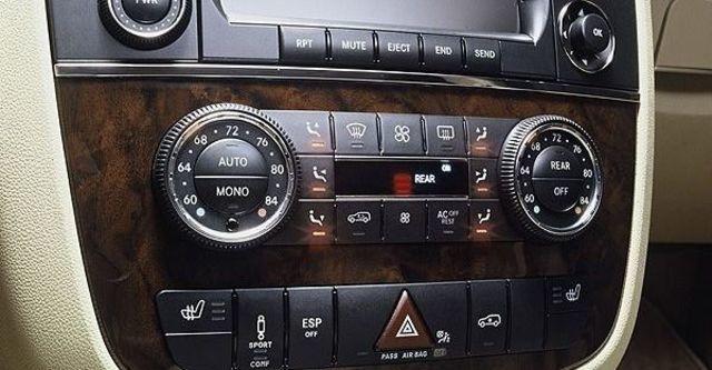 2008 M-Benz R-Class R500L  第9張相片