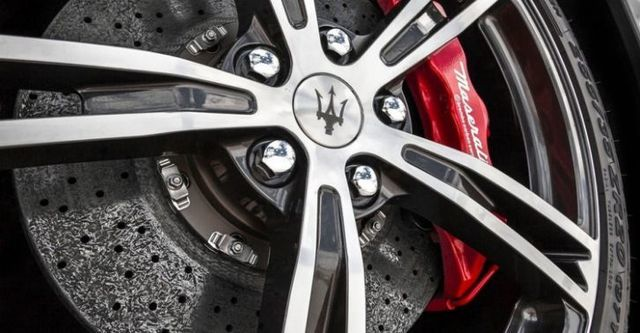 2015 Maserati GranTurismo 4.7 MC Stradale  第6張相片