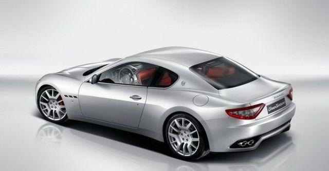 2013 Maserati GranTurismo 4.2  第3張相片