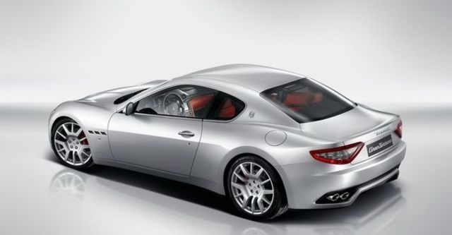 2012 Maserati GranTurismo 4.2  第3張相片