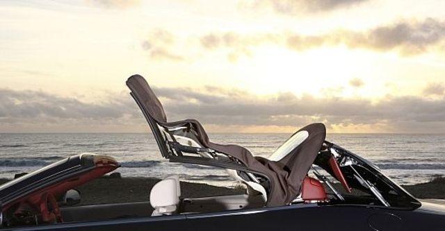 2011 Maserati GranCabrio 4.7  第8張相片