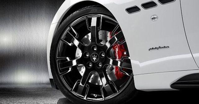 2011 Maserati GranTurismo S MC 4.7  第9張相片