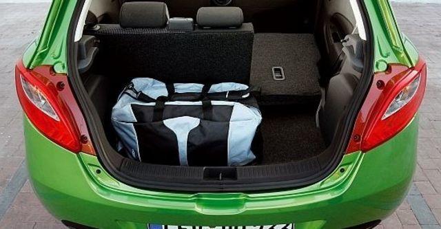 2013 Mazda 2 1.5 頂級型  第6張相片