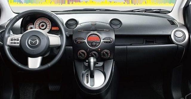 2013 Mazda 2 1.5 頂級型  第7張相片