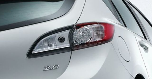 2013 Mazda 3 5D 1.6尊貴型  第7張相片