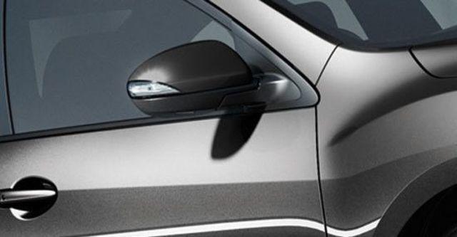 2013 Mazda 3 5D 1.6尊貴型  第11張相片