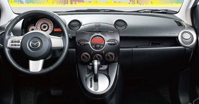 2010 Mazda 2 1.5 頂級型  第6張相片