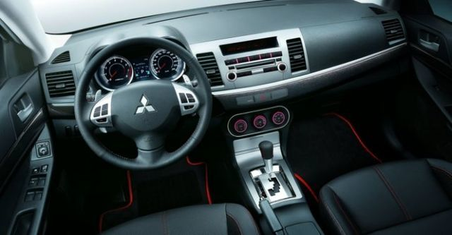 2014 Mitsubishi Lancer iO 1.8悍動型  第5張相片