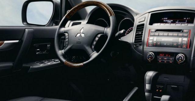 2014 Mitsubishi Pajero三門款 3.2 D  第7張相片