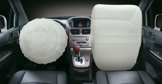 2014 Mitsubishi Savrin 2.4豪華型五人座  第10張相片