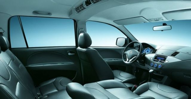 2014 Mitsubishi Zinger 2.4雅緻手排型  第5張相片