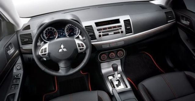2013 Mitsubishi Lancer iO 1.8勁動型  第8張相片