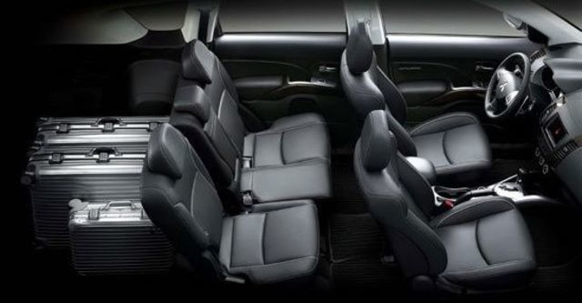 2013 Mitsubishi Outlander 2.4 4WD尊貴型  第8張相片