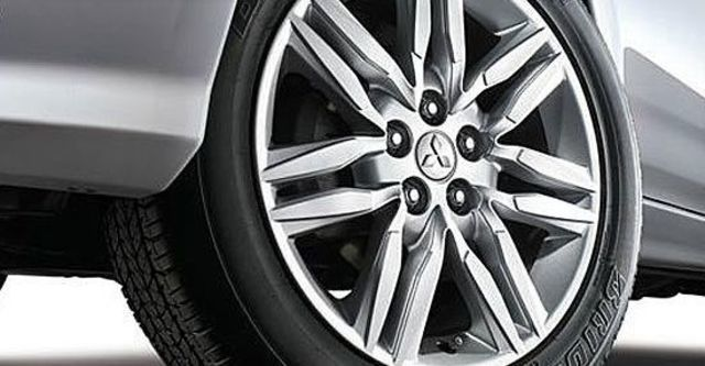 2013 Mitsubishi Outlander iO 4WD  第14張相片