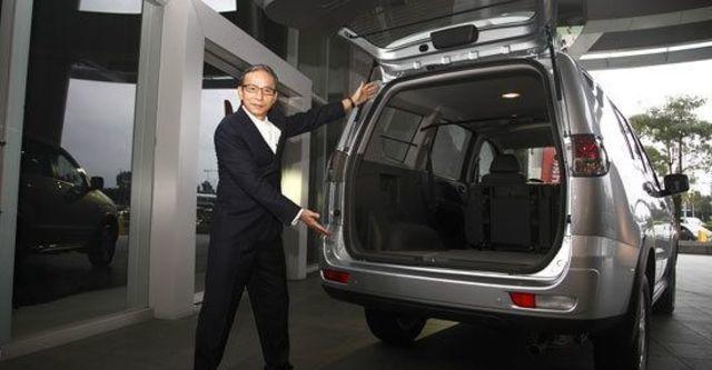 2012 Mitsubishi Boss Zinger 2.4雅緻手排型  第4張相片