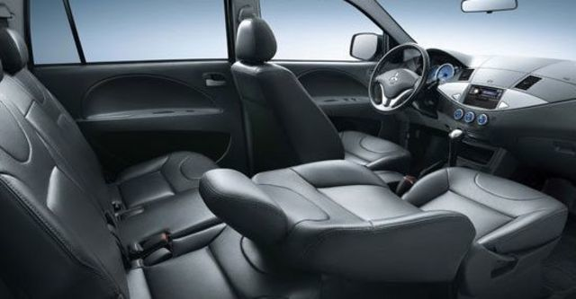 2012 Mitsubishi Boss Zinger 2.4雅緻手排型  第5張相片