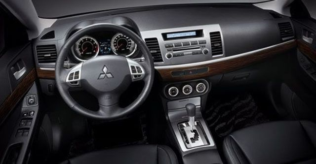 2012 Mitsubishi Lancer Fortis 1.8經典型  第5張相片