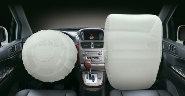 2012 Mitsubishi Savrin 2.4豪華型七人座  第7張相片