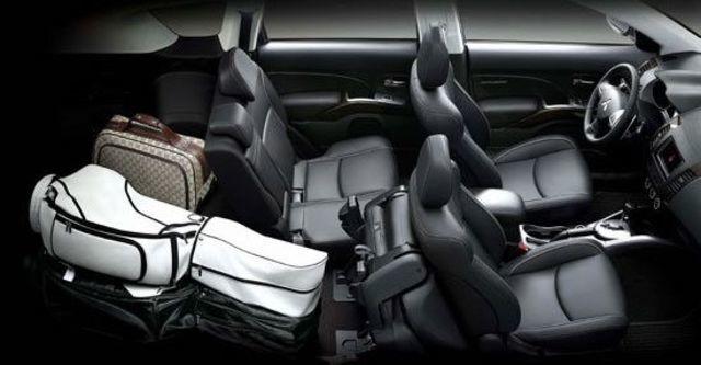 2011 Mitsubishi Outlander 2.4 4WD尊貴型  第7張相片
