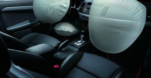 2010 Mitsubishi Lancer iO 2.0  第11張相片