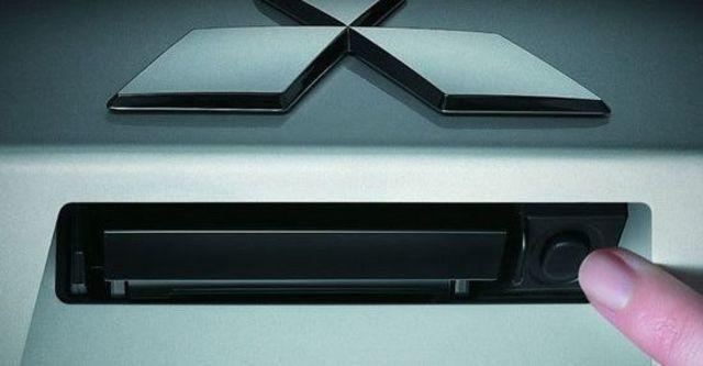 2010 Mitsubishi Outlander 2.4 2WD經典型  第6張相片
