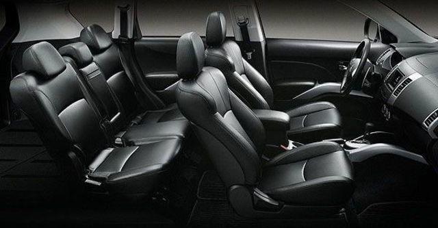2010 Mitsubishi Outlander 2.4 2WD經典型  第8張相片