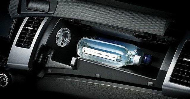 2010 Mitsubishi Outlander 2.4 2WD經典型  第9張相片