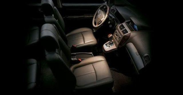 2010 Mitsubishi Savrin 2.4尊貴型四人座  第5張相片