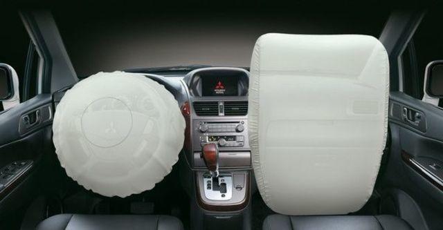 2010 Mitsubishi Savrin 2.4尊貴型四人座  第7張相片