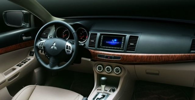 2009 Mitsubishi Lancer Fortis 2.0尊榮型  第5張相片