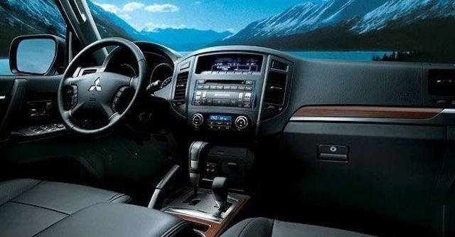 2008 Mitsubishi Pajero 3.2D 標準型  第6張相片