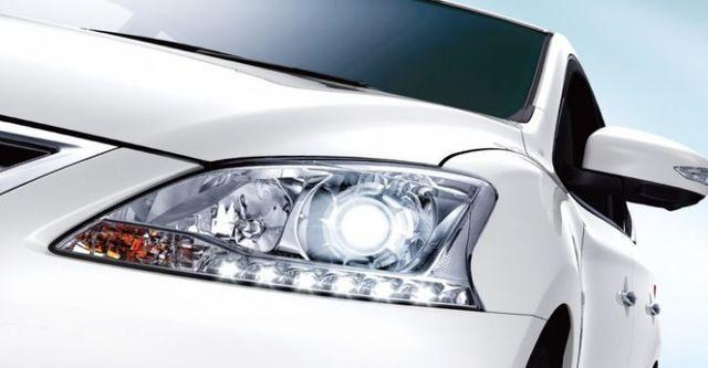 2015 Nissan Sentra 1.8 豪華影音版  第4張相片
